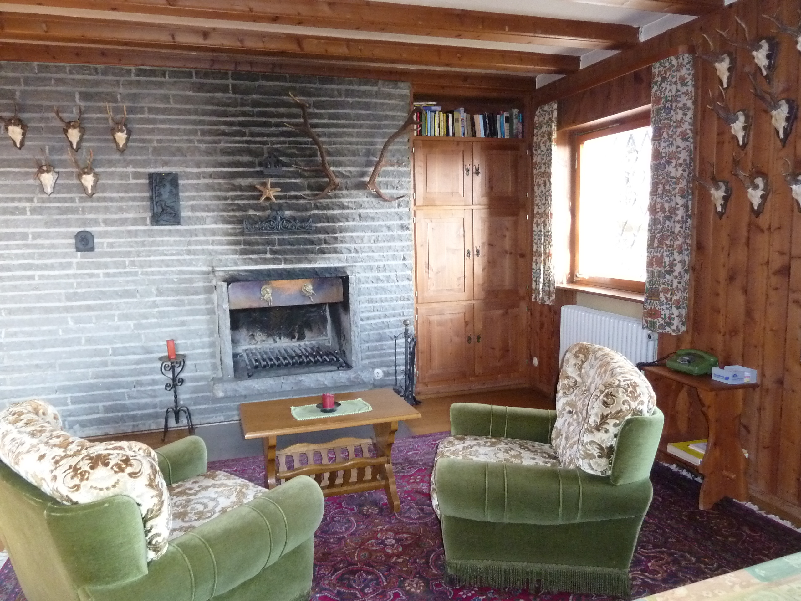 sitzecke kamin wohnliche einrichtungsideen, kamin und sessel, Design ideen